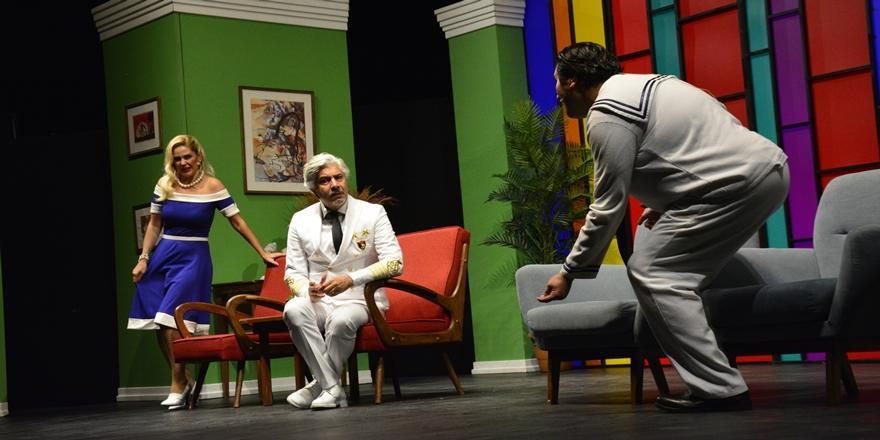 Bursa'da 'Süt Kardeşler' oyunu sahnelendi
