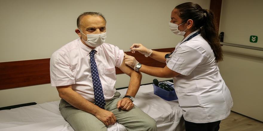 Bursa'da Çin'den Getirilen Korona Aşısının Denemeleri Sürüyor