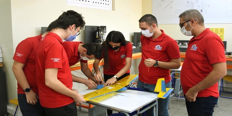 Teknofest'ten Dereceyle Dönen Bursalı Lise Öğrencilerinin Hedefi Savunma Sanayisi
