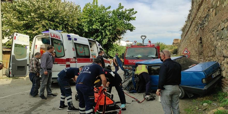 Bursa'da Kaza! Otomobil ile Kamyonet Çarpışması Sonucu 2 Yaralı