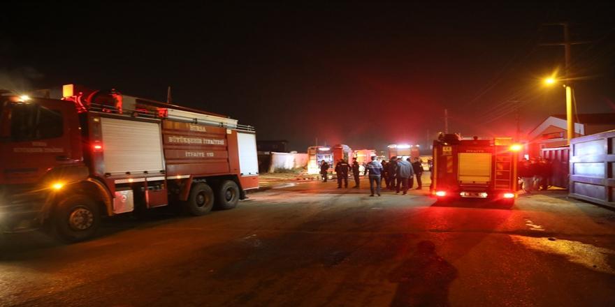 Bursa'da Geri Dönüşüm Tesisinde Yangın!