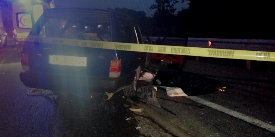 Bursa'da Kaza! Otomobilin Tıra Arkadan Çarpması Sonucu 1 Ölü, 4 Yaralı
