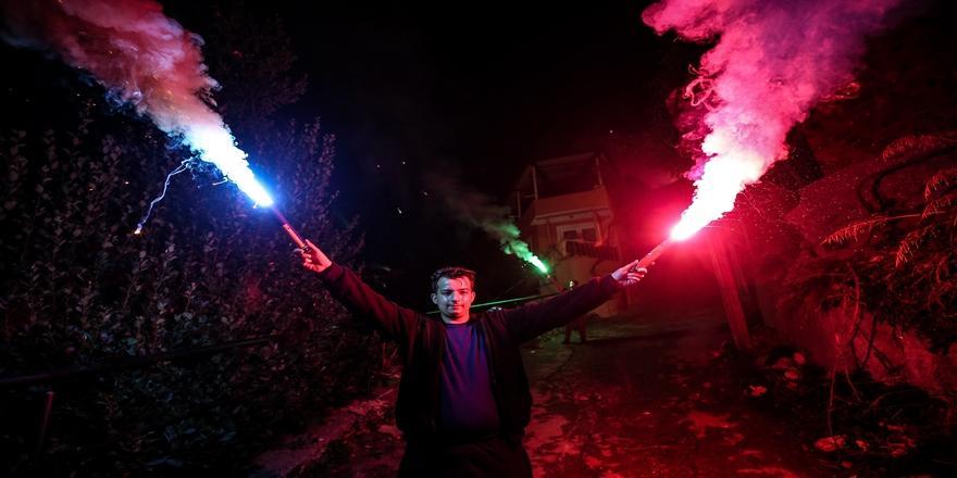 Bursa Uludağ'da 29 Ekim'e Özel Meşaleli Ve Havai Fişekli Gösteri