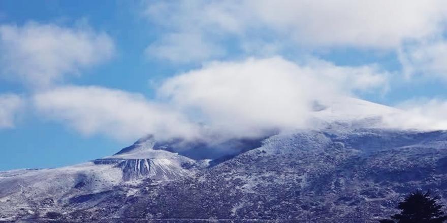 Bursa'da Uludağ Oteller Bölgesine İlk Kar Düştü