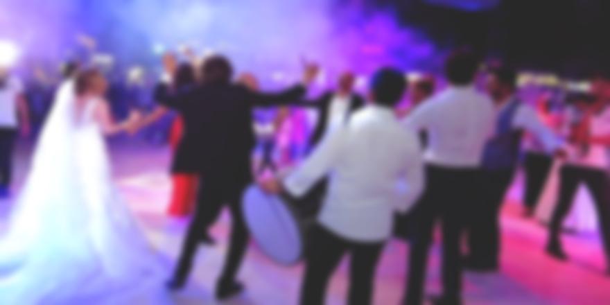 Bursa'daki Düğünde Korona Halayı Çeken 30 Kişiye Ceza Kesilecek