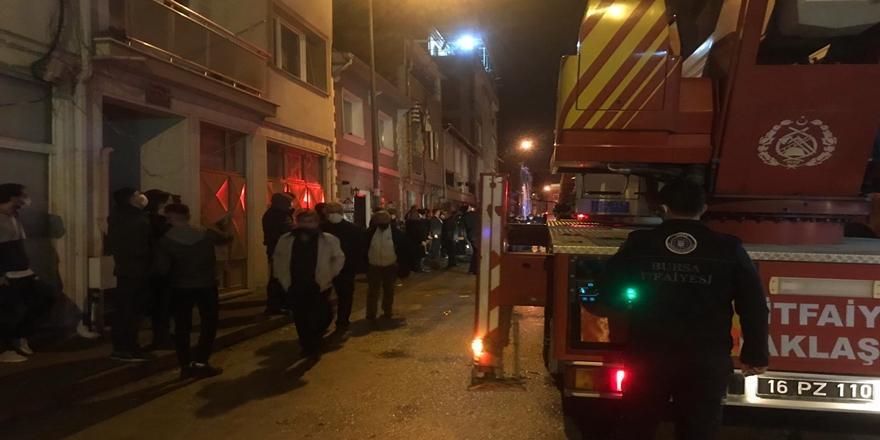 Bursa'daki Yangın Evde Hasara Yol Açtı