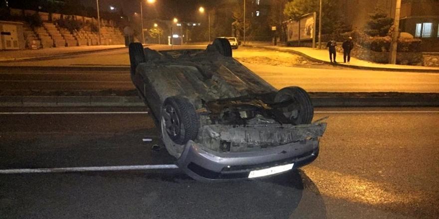 Bursa'da Kaza! Takla Atan Araç Yolun Ortasında Ters Durdu