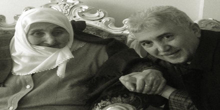 Ensar Seyhan'ın Acı Günü! Seyhan Annesinin Vefat Haberini Duyurdu