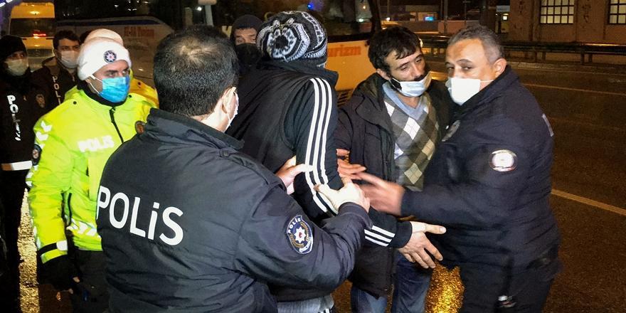 Bursa'da Sokağa Çıkma Kısıtlaması Denetiminde Uyuşturucu Ele Geçirildi