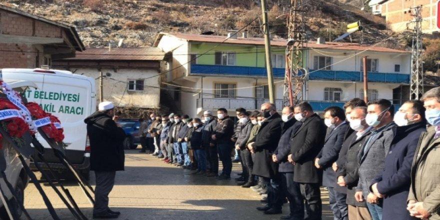 Koronadan Ölen Belediye Başkanının Cenazesine Yoğun Katılım Dikkat Çekti!