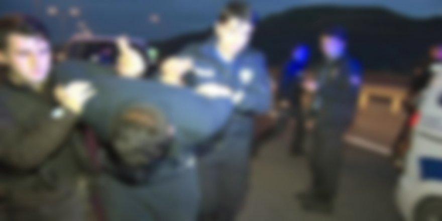 Bursa'da Kovalamaca! Uyuşturucu Ticareti Yaptığı Şüphesiyle 5 Kişi Yakalandı