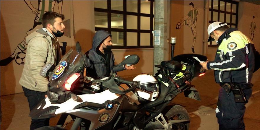 Bursa'da Ehliyetsiz Sürücü Sokağa Çıkma Kısıtlaması Denetimine Takıldı