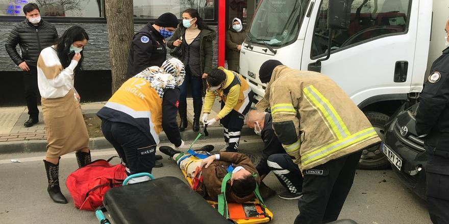 Bursa'da Zincirleme Trafik Kazası! 1 Kişi İki Araç Arasında Sıkıştı