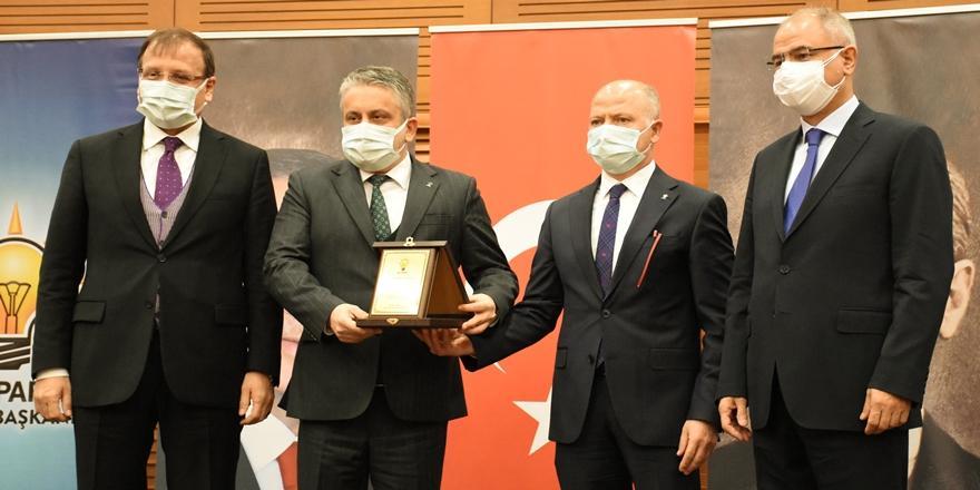 Ak Parti Bursa İl Başkanlığında Nöbet Değişimi! Davut Gürkan Dönemi Başladı