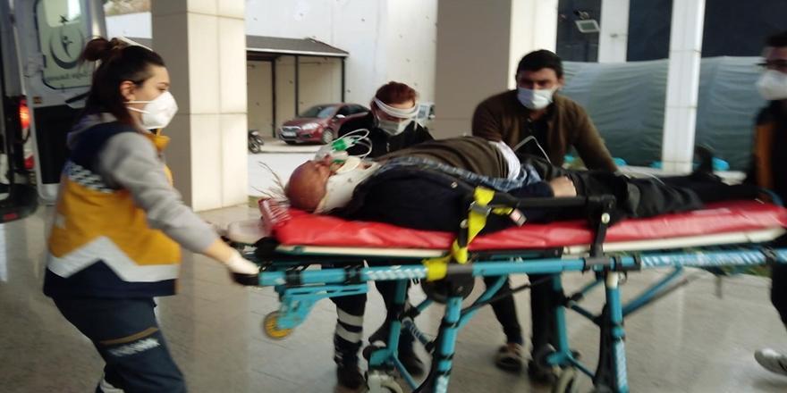 Bursa'da Kaza! Arızalanan Kamyonunu Tamir Eden Kişiye Otomobil Çarptı