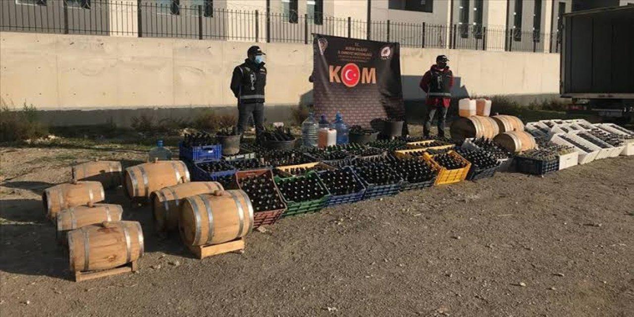 Bursa'da İmalathaneye Dönüştürülen Çiftlikte 10 Ton Sahte İçki Ele Geçirildi