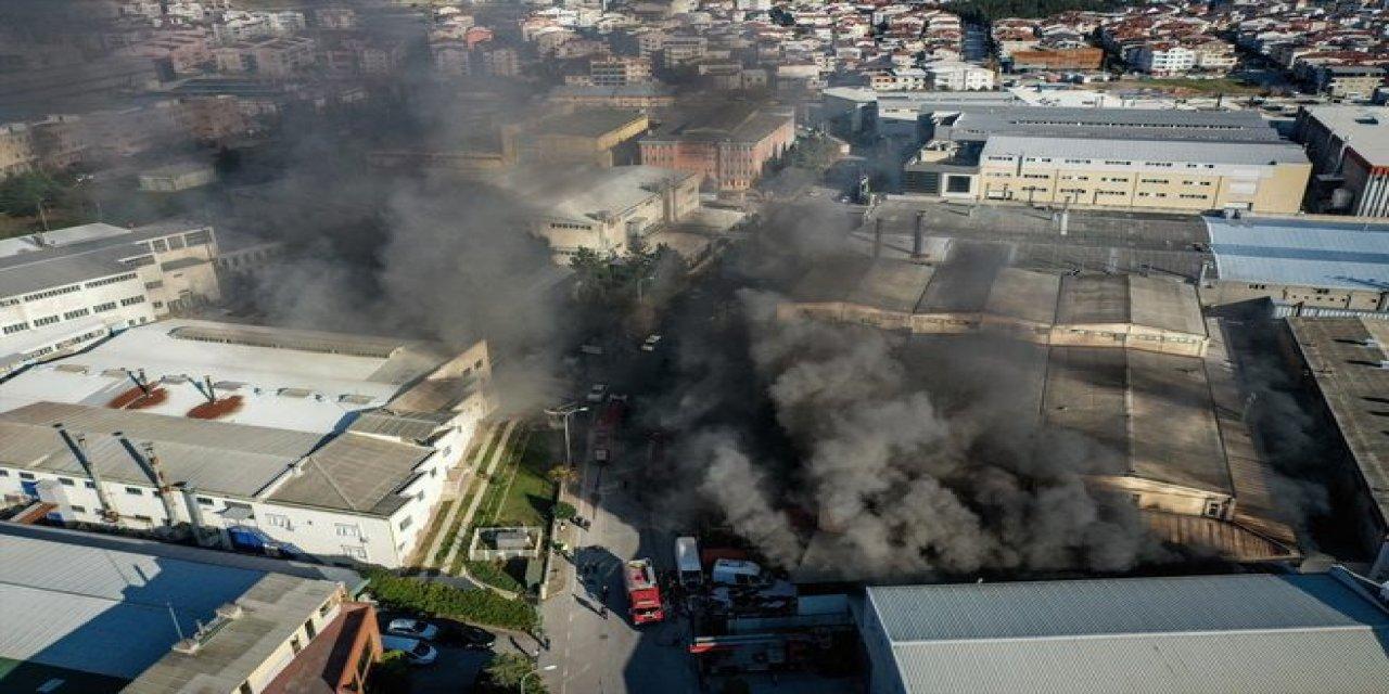 Bursa'da Organize Sanayi Bölgesinde Bir Depoda Yangın Çıktı
