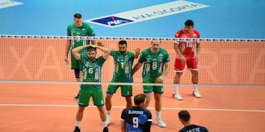 Axa Sigorta Efeler Ligi: Bursa Büyükşehir Belediyespor: 0 - Ziraat Bankkart: 3