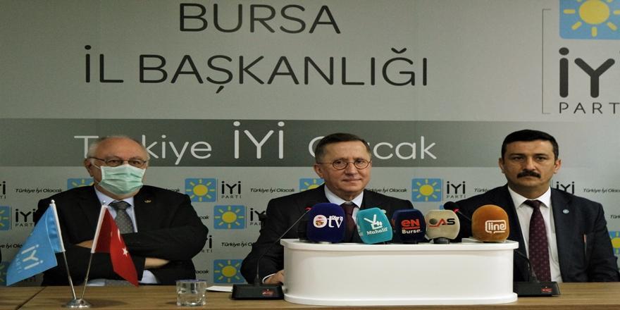 İyi Parti Grup Başkanvekili Türkkan Gençlere Bursa'dan Seslendi 'Demokrasiden Vazgeçmeyin'