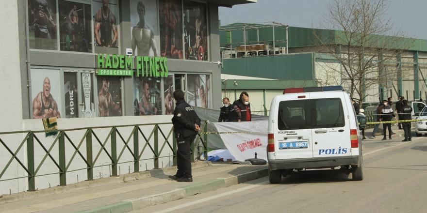 Bursa'da Balkondan Düşen Kadın Hayatını Kaybetti