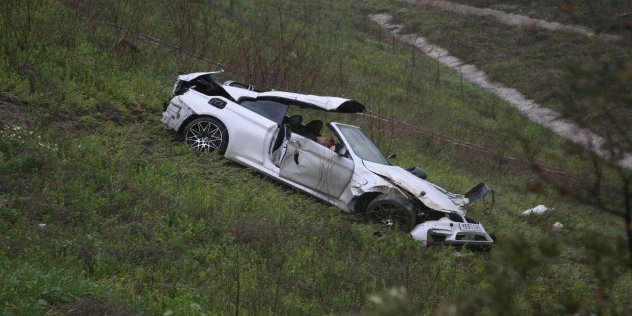Orhangazi'de Bariyerlere Çarparak Devrilen Otomobilin Sürücüsü Öldü!