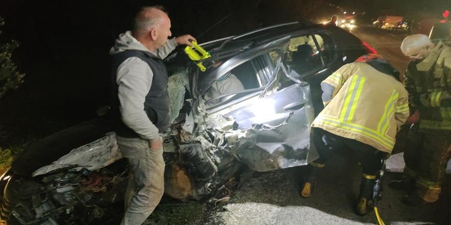 Bursa'da Kaza! Minibüsle Otomobilin Çarpıştı: 3 Kişi Yaralandı
