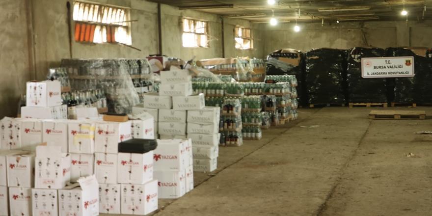 Nilüfer'de Bir Depoda 10 Bin Litreye Yakın Kaçak İçki Ele Geçirildi