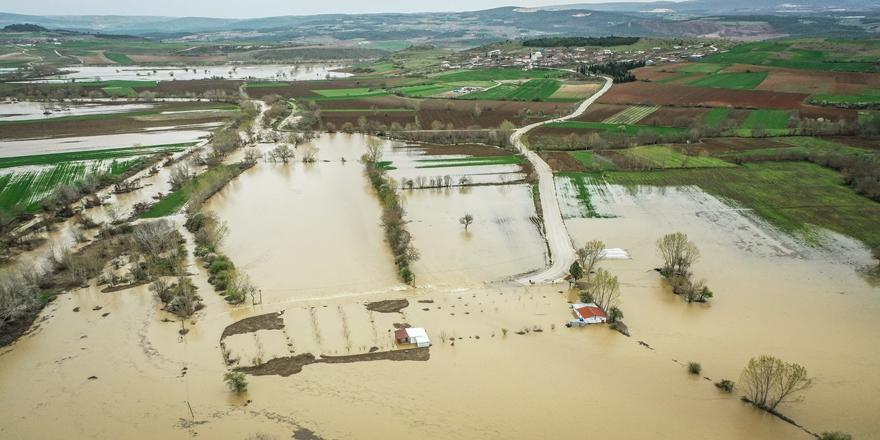 Bursa'yı Sağanak Vurdu! 35 Bin Dönüm Tarım Arazisi Su Altında Kaldı