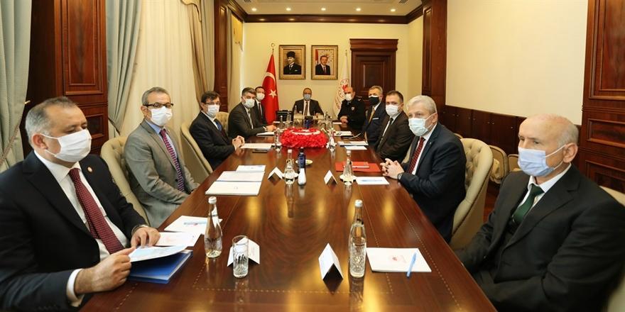 Bursa Valisi Canbolat Kadına Yönelik Şiddetle Mücadele Koordinasyon Toplantısına Katıldı