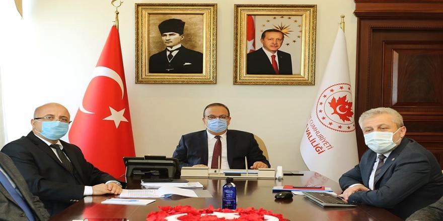 Bursa Valisi Canbolat  Sağlık Değerlendirme Toplantısına Başkanlık Etti
