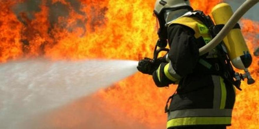 Bursa'da Kullanılmayan Binada Yangın Çıktı