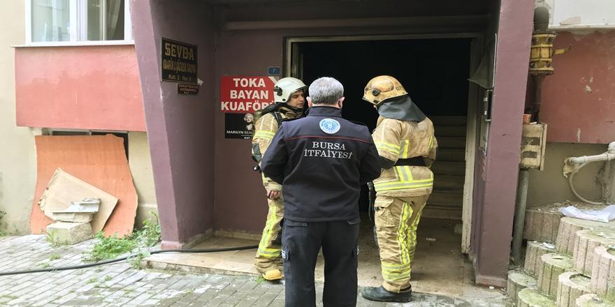 Bursa'da Yangın! 1 Kişi Dumandan Etkilendi