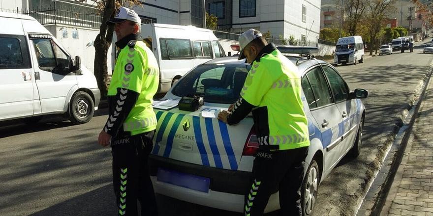 Bursa'da Motosikletinin Plakasını Maskeyle Kapatan Kişiye Ceza