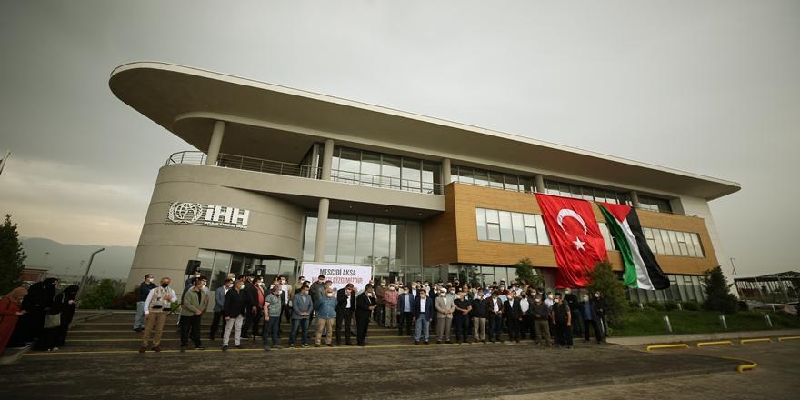 Mescid-i Aksa'da Cemaate Yapılan Saldırı Bursa'da Protesto Edildi