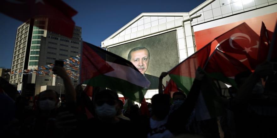 İsrail'in Mescid-i Aksa'ya Yönelik Saldırıları Bursa'da Protesto Edildi