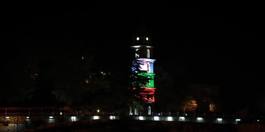 Bursa'da Tophane Saat Kulesi Filistin Bayrağı Renklerinde Işıklandırıldı