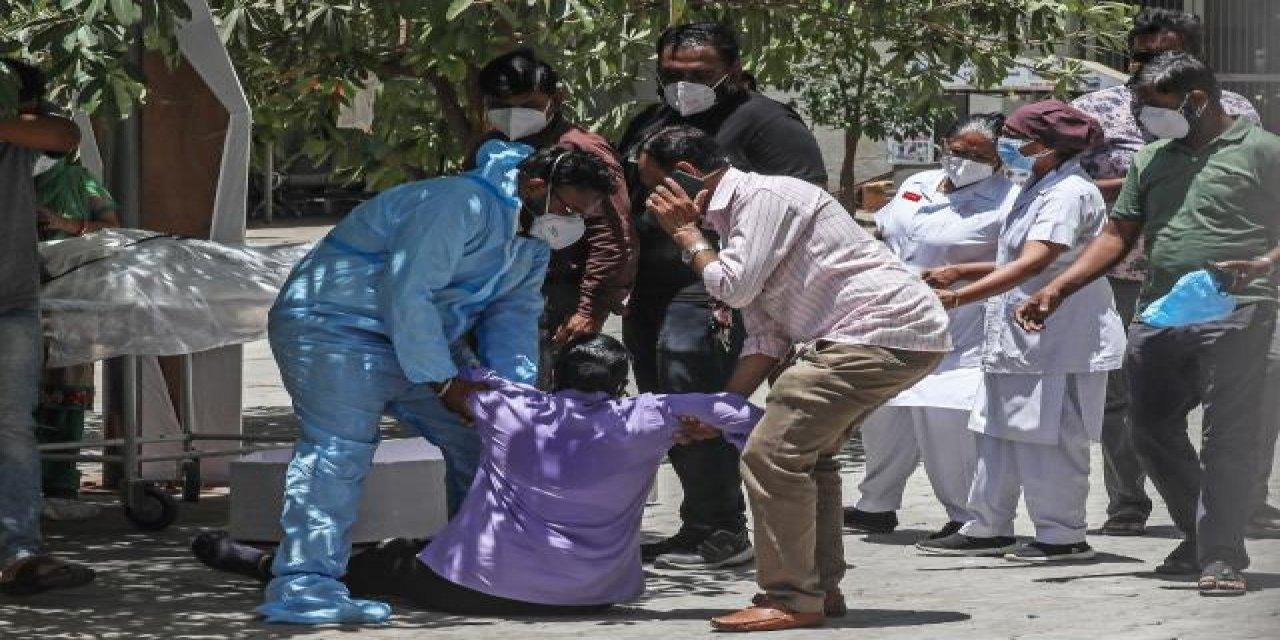 Hindistan Korona Virüs Salgınında Yeni Rekor: 24 Saatte 4 Bin 529 Ölüm!