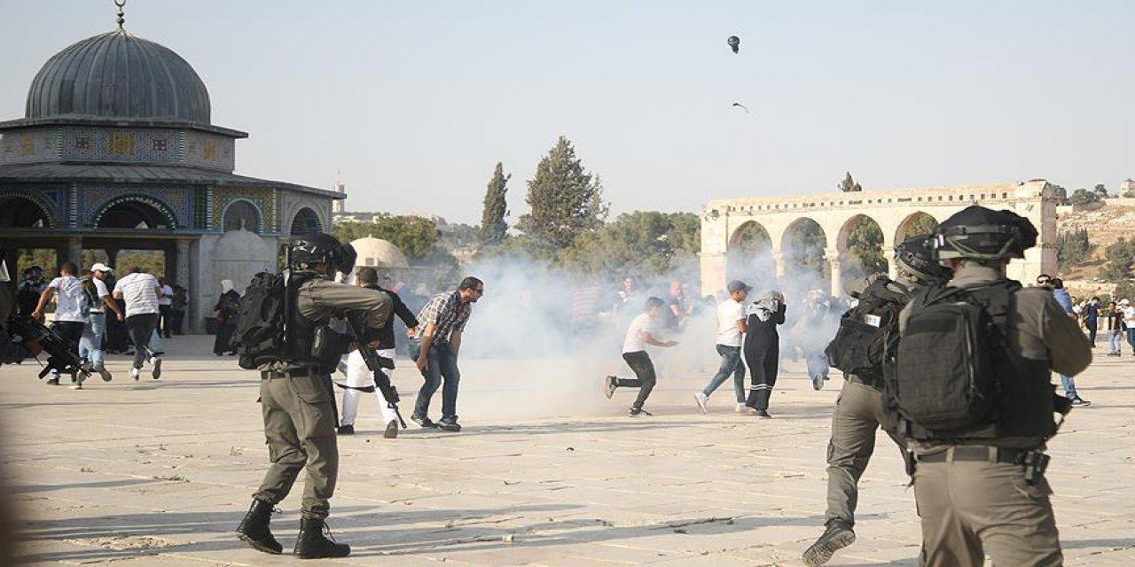 İsrail Polisi Mescid-i Aksa'da Cuma Namazı Sonrasında Saldırı Düzenledi!