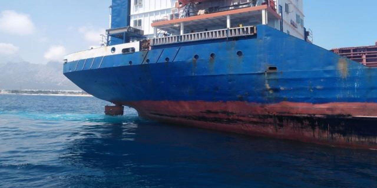 Antalya'da Denizi Kirlettiği Gerekçesiyle Bir Gemiye Para Cezası Kesildi