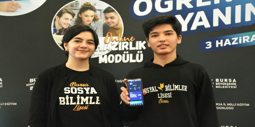 Bursa'da Üniversiteye Hazırlanan Öğrencilere Çevrim İçi Uygulama Desteği