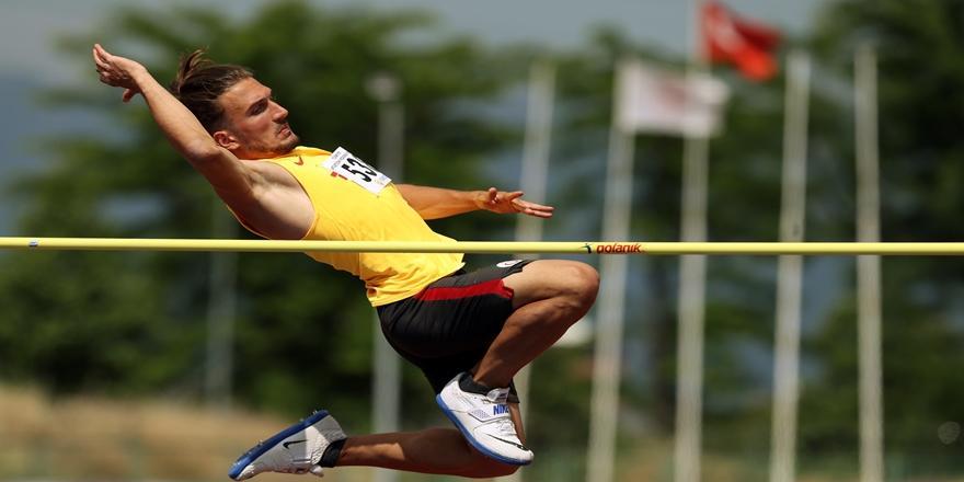 Bursa'da 89. Turkcell Türkiye Büyükler Ve 23 Yaş Altı Atletizm Şampiyonası Devam Ediyor