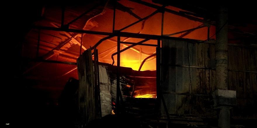 Yıldırım'da Plastik Atık Fabrikasında Yangın Çıktı!