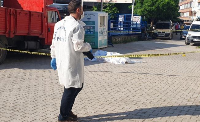 Bursa'da Sokakta Silahlı Saldırıya Uğrayan Adam Hayatını Kaybetti