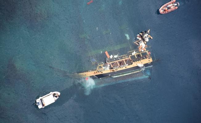 Antalya Kaş'ta Göçmenleri Taşıyan Tekne Battı