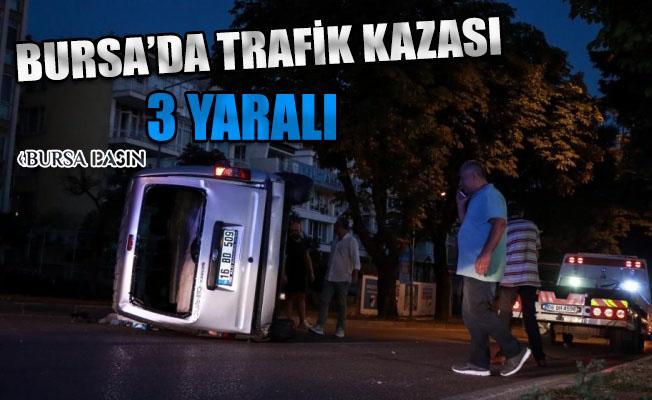Bursa'da 2 Araç Çarpıştı: 3 Yaralı