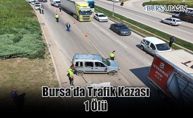 Bursa'da Kamyonete Çarpan Ticari Aracın Altında Kalan Sürücü Hayatını Kaybetti