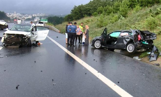 Çekmeceköy'de Zincirleme Trafik Kazası