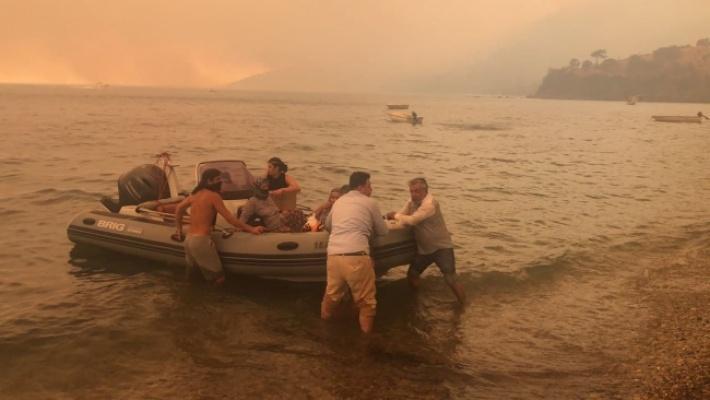 Bodrum'daki Yangın Bir Mahalleye Sıçradı