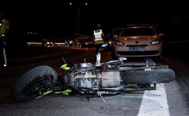 Bursa'da bariyerlere çarpan motosiklet sürücüsü öldü