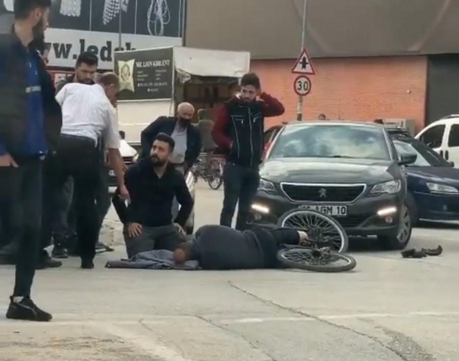 Bursa'da Otomobil ile Çarpışan Bisiklet Sürücüsü Yaralandı